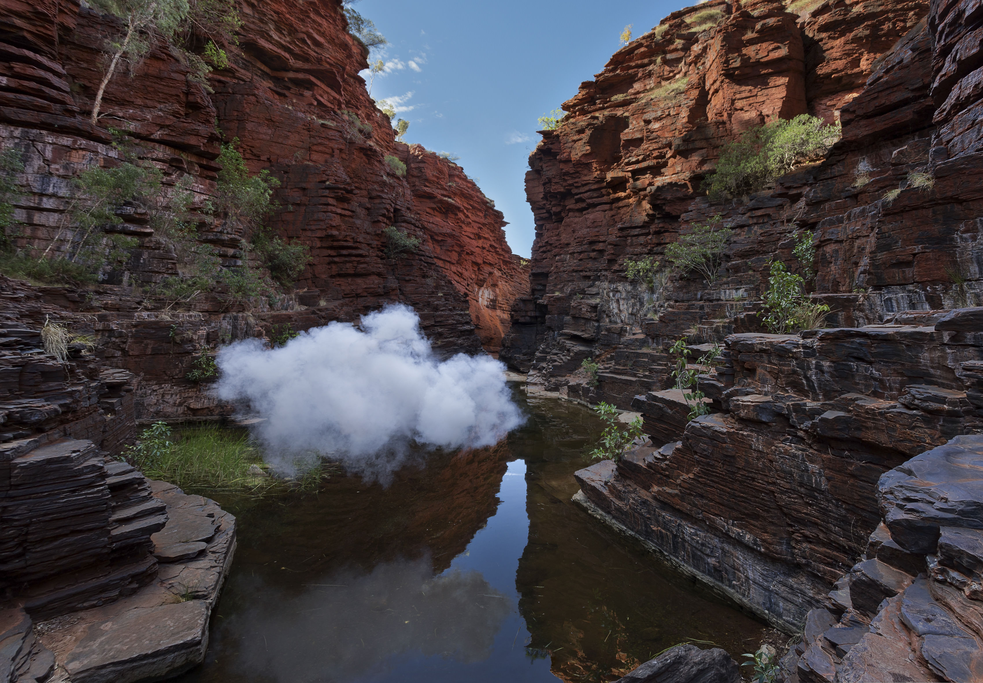 Berndnaut Smilde, Nimbus Karijini, 2017, digital c-type print on aluminium, framed, 125 x 180 cm